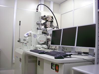 超高分解能走査電子顕微鏡